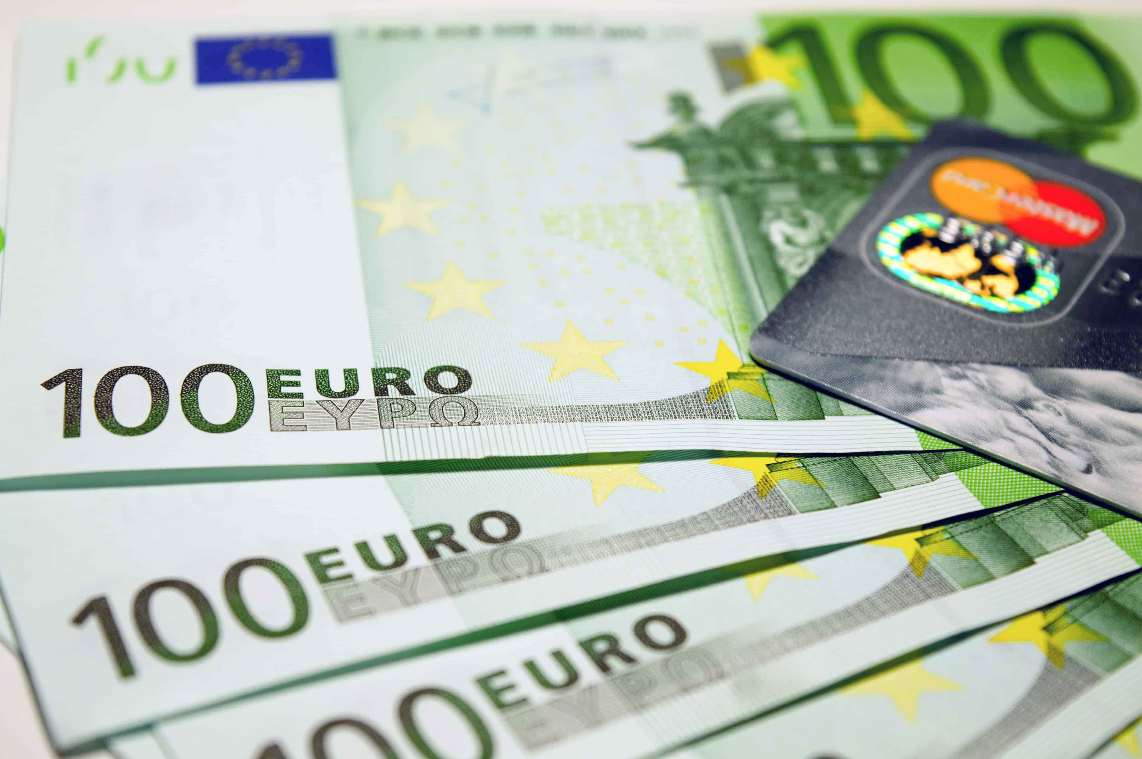 Euro Moving Toward Parity with the US Dollar